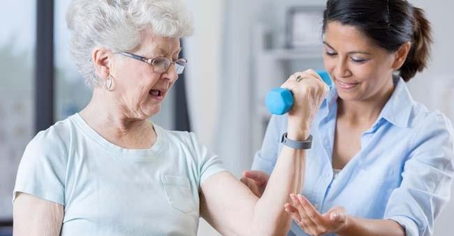 عدم عملکرد بازو به علت سکته مغزی